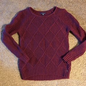 American Eagle maroon sweater, sz S